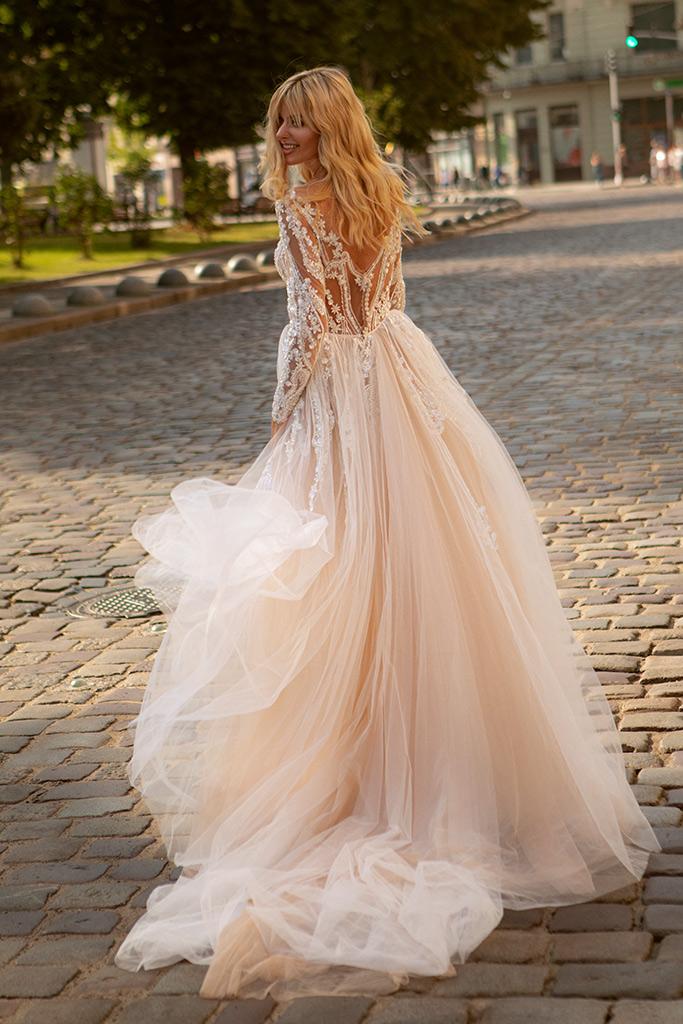 Свадебные платья Trasy Силуэт  Облегающий  Цвет  Пудровый  Кремовиый  Вырез  Сердце  Рукава  Длинный  Шлейф  Съемный шлейф - Фото 4