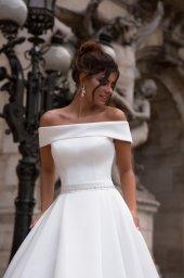 Свадебные платья Evis-1 Силуэт  Пишный  Цвет  White  Вырез  Прямой  Рукава  Приспущенный  Шлейф  Со шлейфом - Фото 2