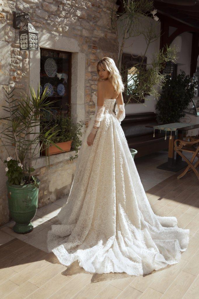 Свадебные платья Faith Силуэт  Пишный  Цвет  White  Вырез  Портрет (V-вырез)  Рукава  Съемный  Шлейф  Со шлейфом - Фото 3