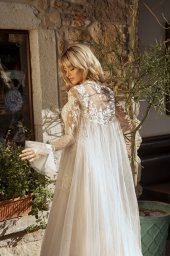 Свадебные платья Faith Силуэт  Пишный  Цвет  White  Вырез  Портрет (V-вырез)  Рукава  Съемный  Шлейф  Со шлейфом - Фото 5